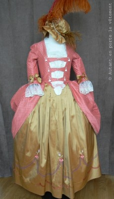 robe à l'anglaise corail et or